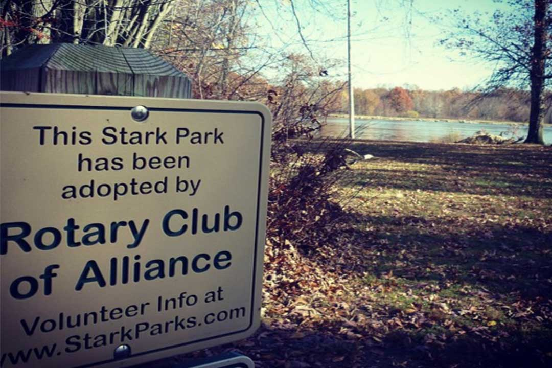 Rotary Club Adopt a Trail Sign